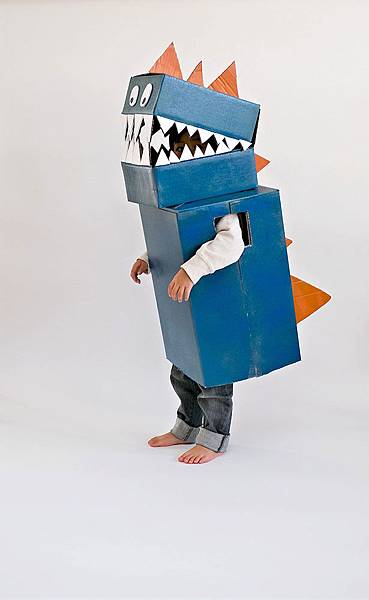 5-diy-cardboard-dinosaur-costume