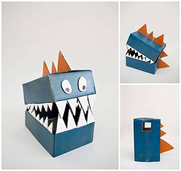 diy-cardboard-dinosaur-costume