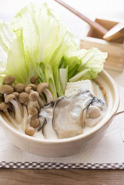 土手味噌豆乳生蠔鍋