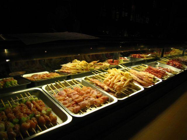 吧台前的食材