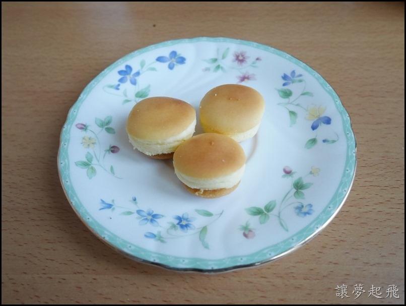 杏芳草莓乳酪球21
