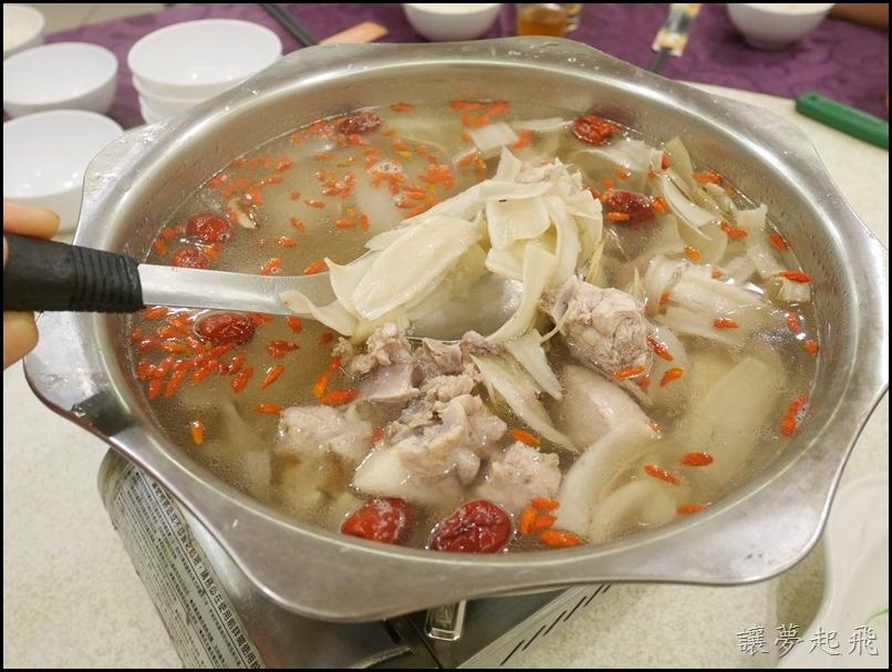 台灣一品雞076