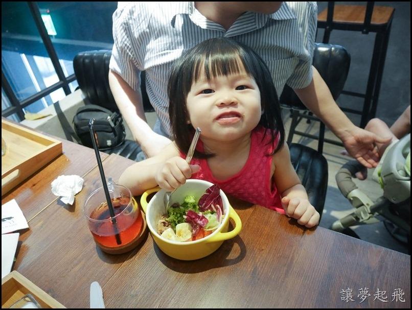 小獅王辛巴 嬰兒食物金剛剪089