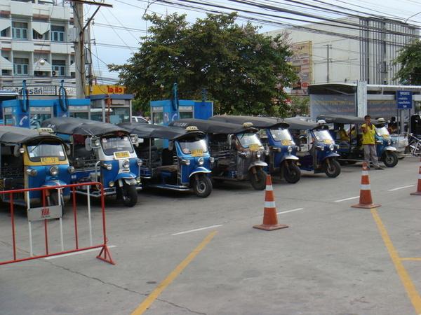 09.09賽前...這是泰國的計程車