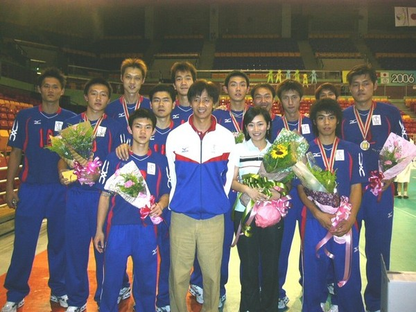 賽後和中華男排全體合照