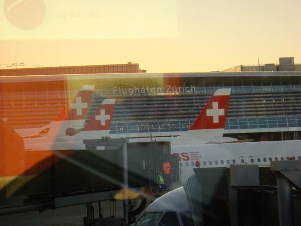 07.07.31-14清晨的蘇黎士機場