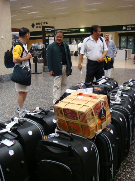 07.07.31-23義大時間中午到達米蘭機場等行李