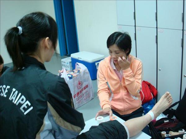 07.08.17-1回台灣比賽有防護員姐姐了