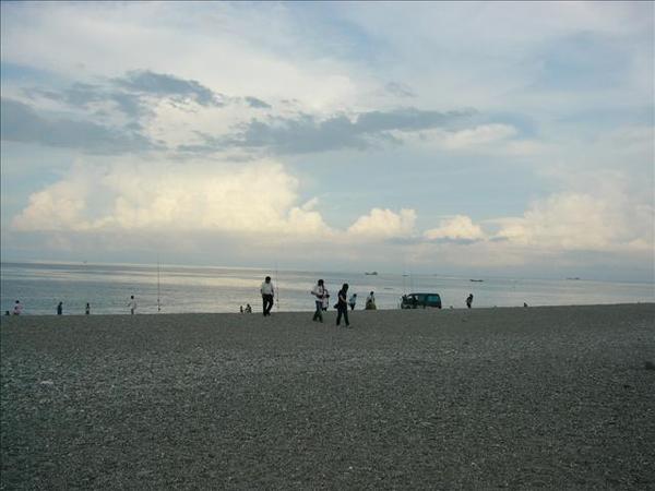 很美的花蓮外海...很乾淨的沙灘 \\\\r\\\\n
