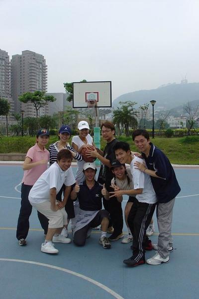04.04.13打籃球囉.jpg
