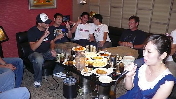 恰弟、紅龜、川崎小朱還有兄弟公關京弘、NIKE的Titan等人都有來