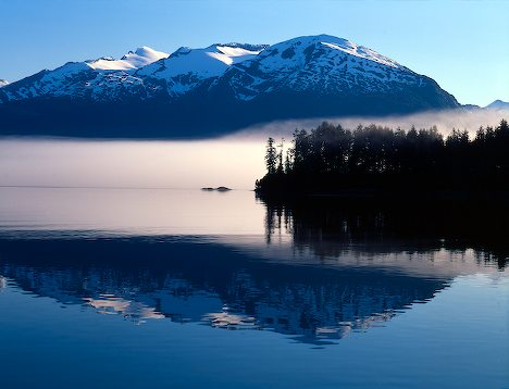 http://www.alaska-in-pictures.com/data/media/19/mountain-lake-reflection_6977.jpg