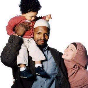http://cdn.newsone.com/files/2009/05/muslim-family.jpg