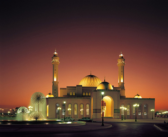 http://www.wired-destinations.com/images/guides/bahrain/New%20Bahrain%20Pics/Bahrain%20Grand%20Mosque.jpg