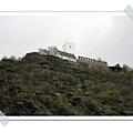 32.河岸不知名的城堡.jpg