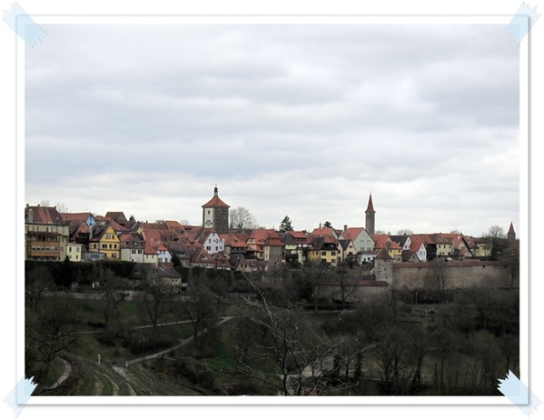 37.從城堡看到的羅騰堡,整片的紅瓦房子.jpg