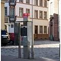 31.路旁的公共電話亭.jpg