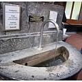 7.飲泉廳的溫泉水.jpg