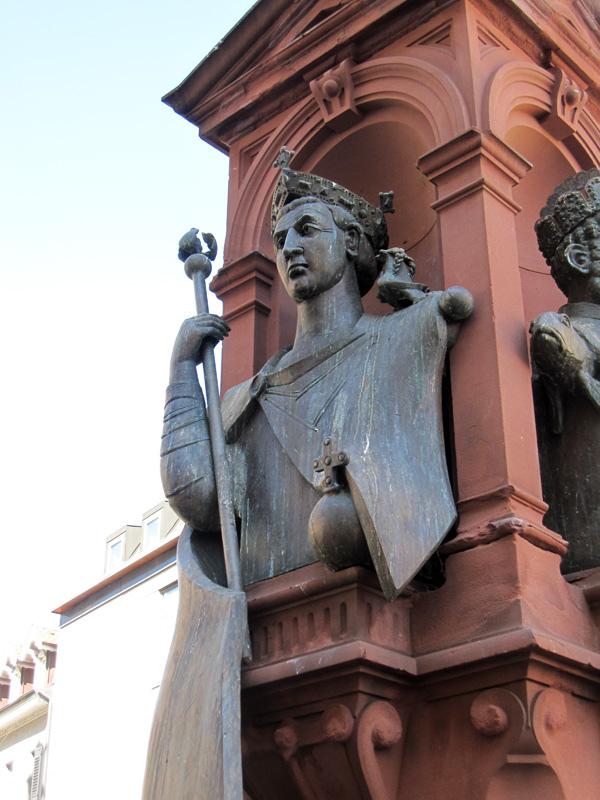 45.噴水池的雕像.jpg