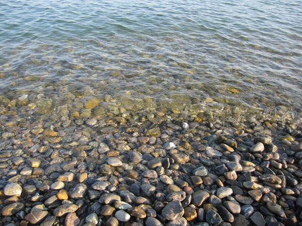 90.還是非常清澈的湖水.jpg