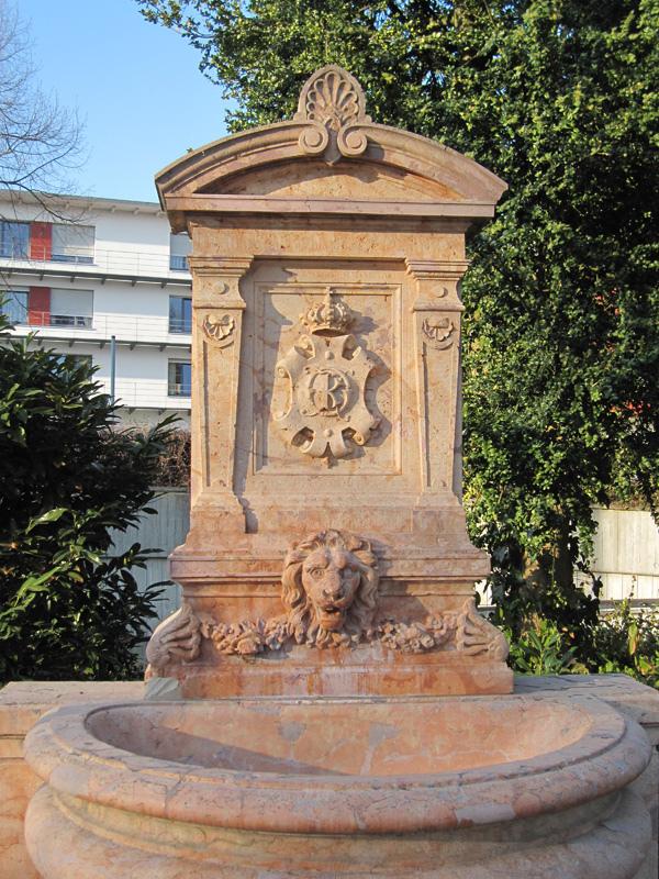 91.公園內的雕像.jpg