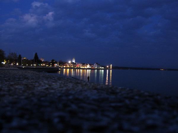 101.湖邊夜景.jpg