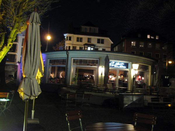 102.湖邊的餐廳.jpg