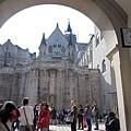 33.城堡中庭.jpg