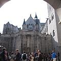 32.城堡中庭.jpg