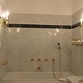 68.Hotel Jägerhaus的浴室.jpg