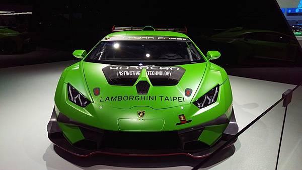 Lamborghini_Huracan_01.jpg