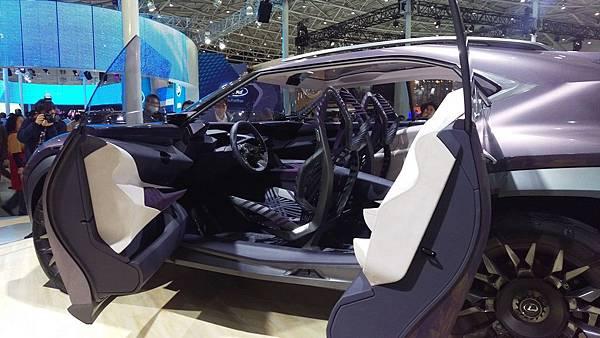 Lexus_UX Concept_02.jpg