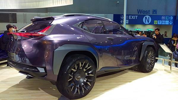 Lexus_UX Concept_01.jpg