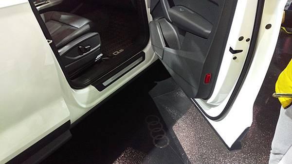 Audi_Q5_02.jpg