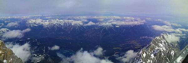 楚格峰_艾比湖環景.jpg