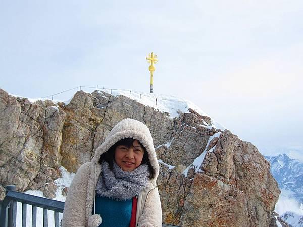 楚格峰_我和金色十字架.JPG