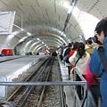 楚格峰_火車站等下山火車.JPG