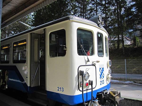 楚格峰_在Garmisch-Partenkirchen改搭的火車03.JPG