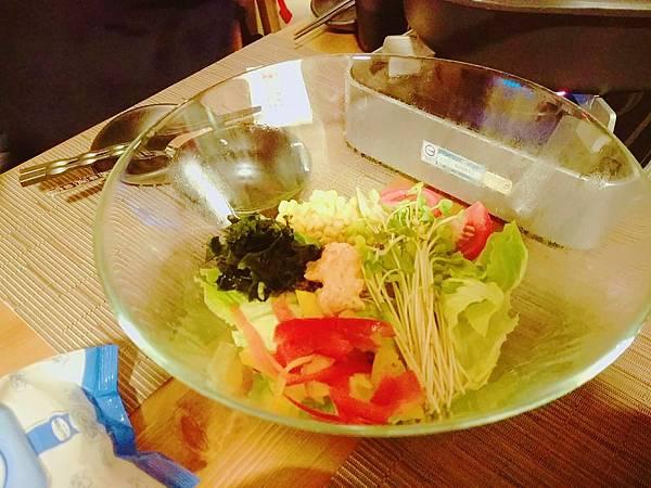 那一村_晚餐沙拉.jpg