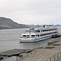 飯店後面就是萊茵河.jpg