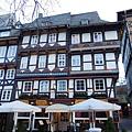 Gosalr_市政廳廣場旁的餐廳.JPG