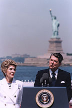 144px-President_Reagan_giving_speech_on_the_Centennial_of_the_Statue_of_Liberty,_Governor