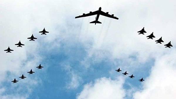 Plane-Formation-2-620x350