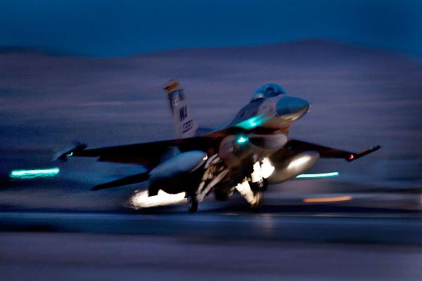 f-16-fighting-falcon_010-ts600