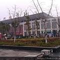 荊州車站到了,非常榮幸因為此車站落成不久
