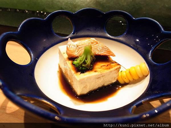 GRD3 14102013 高雄弁慶日本料理的中午握壽司套餐要價1880 (2).JPG