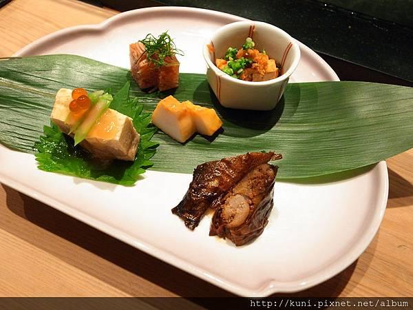 GRD3 14102013 高雄弁慶日本料理的中午握壽司套餐要價1880 (3).JPG