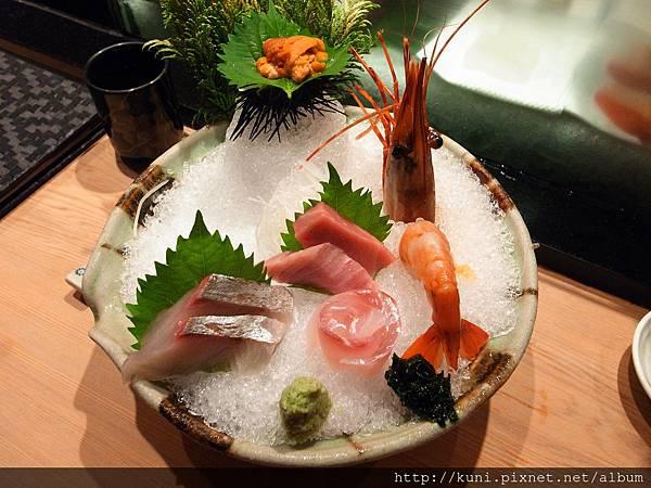 GRD3 14102013 高雄弁慶日本料理的中午握壽司套餐要價1880 (4).JPG