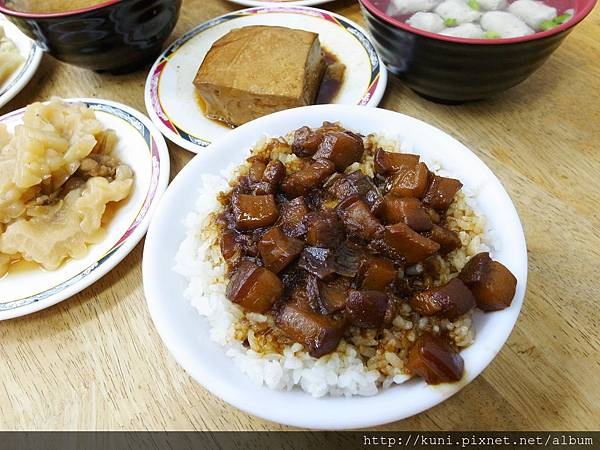 GRD3 03092014 與小風再訪台南滷三塊 (4).JPG