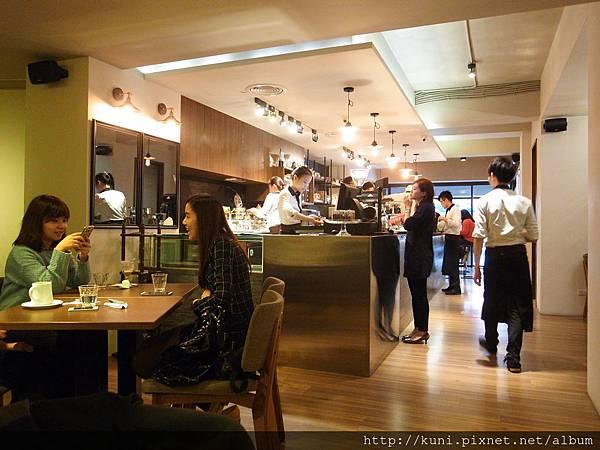 GRD3 23022015 4Mano Cafe (3).JPG